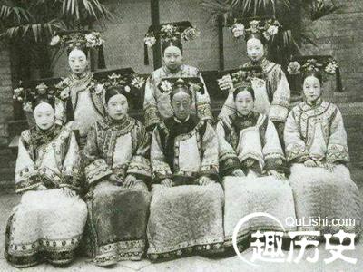 清朝 后宫服饰 种类 清朝 后宫妃嫔服饰 要求及规 高清图片