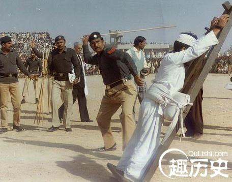 新加坡女子被鞭刑图片-赵构为什么要杀岳飞 岳飞或是赵构的亲哥哥