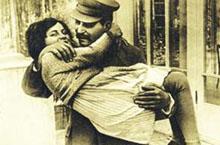 揭秘斯大林女儿为何叛逃苏联:斯大林宠爱成枷锁