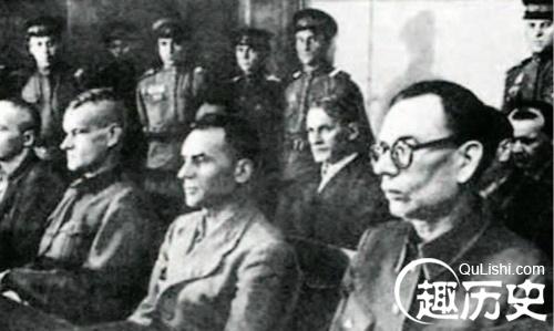 铁木辛哥到基辅军区检阅部队