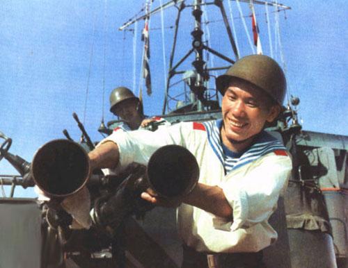 中国政府决定将在西沙群岛自卫反击战中俘获的范文鸿