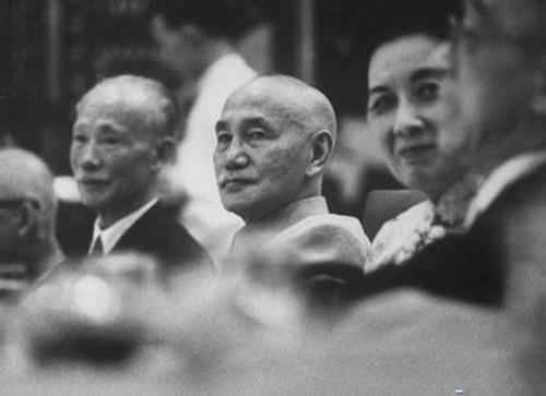 蒋介石想撤销孔祥熙宋子文党籍 遇宋美龄阻扰