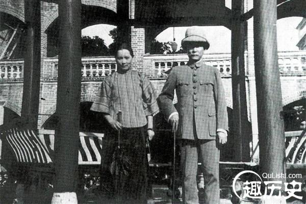 孙中山与宋庆龄罕见高清合影:曾经的金童玉女