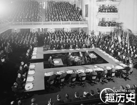 凡尔赛条约背景简介_凡尔赛条约内容签订时间