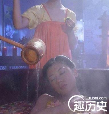 中国古代历史上美女们都是如何沐浴洗澡的呢?