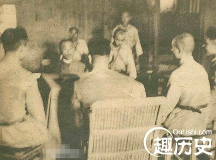 嫡系将领投日后逃回?蒋介石为何还为其三次授勋